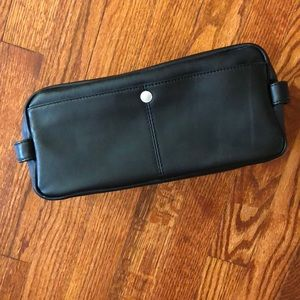 100% leather travel kit, great condition